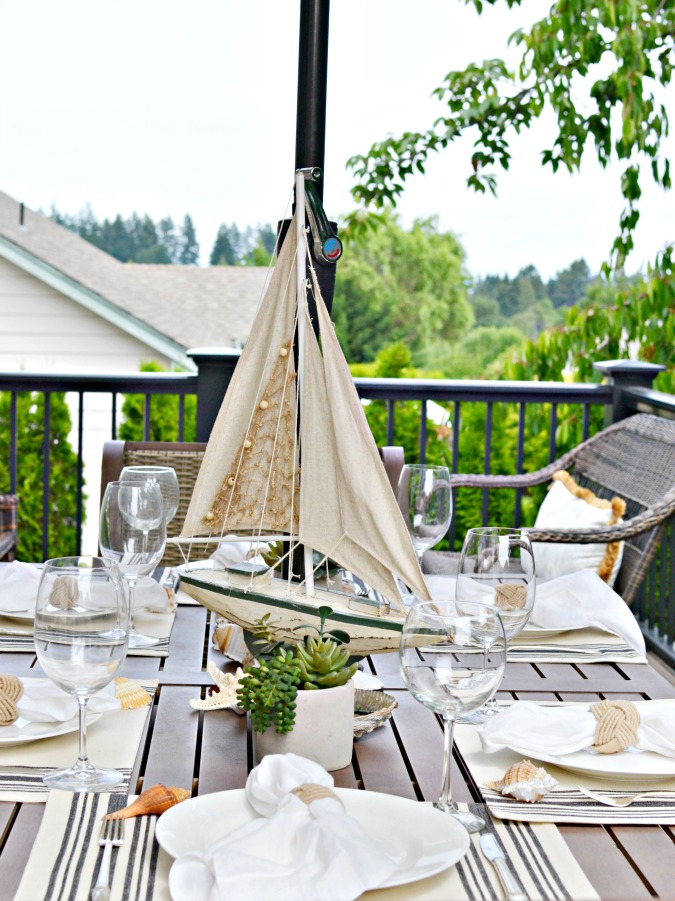 Beachy-summer-table-setting-